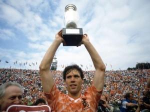 Marco Van Basten- cầu thủ xuất sắc của các kỳ Euro