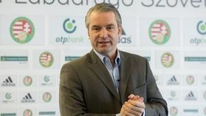 Đội tuyển Hungary tham dự Euro 2016 dưới sự dẫn dắt của HLV Bernd Storck