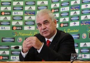 Anghel Iordanescu đưa đội tuyển Romania tham dự Euro 2016