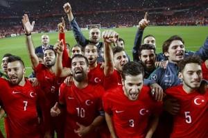 Đội tuyển Thổ Nhĩ Kỳ tham dự Euro 2016 với hy vọng tiến xa hơn bán kết