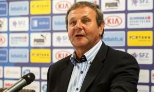Đội tuyển Slovakia tham dự Euro 2016 với sự dẫn dắt của HLV Jan Kozak
